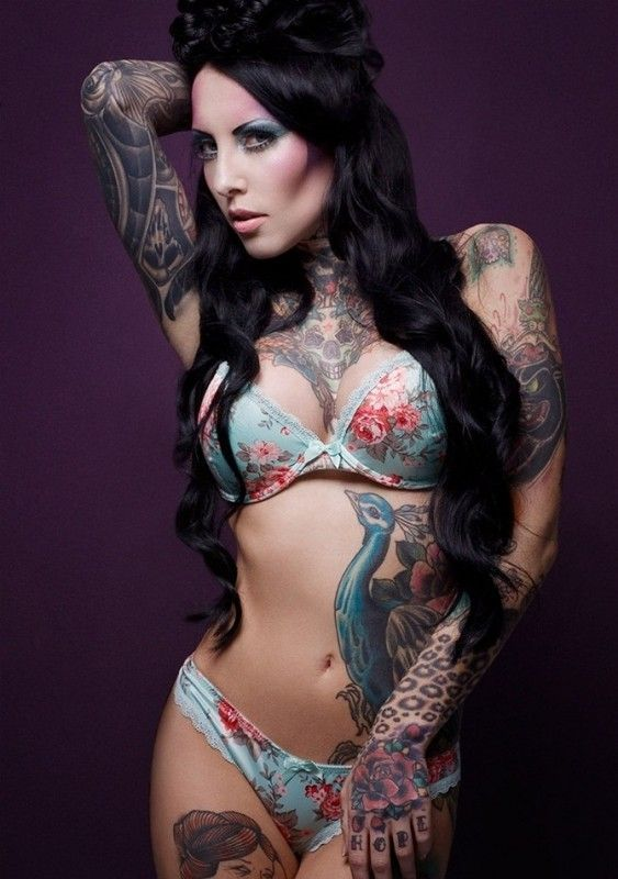 Latest-Sexy-Tattoo-Designs-For-Girls-23-563x800
