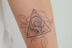 a33e401883133a7c9c27d9e1184a21a4-geometric-rose-tattoo-tattoos-for-women-geometric-736x410